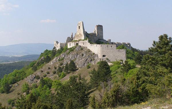 Bontour - Čachtický hrad