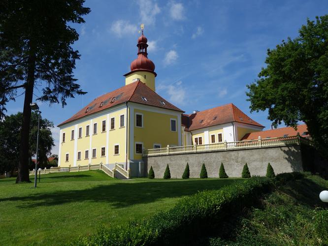Hrad Stráž nad Nežárkou - Bontour