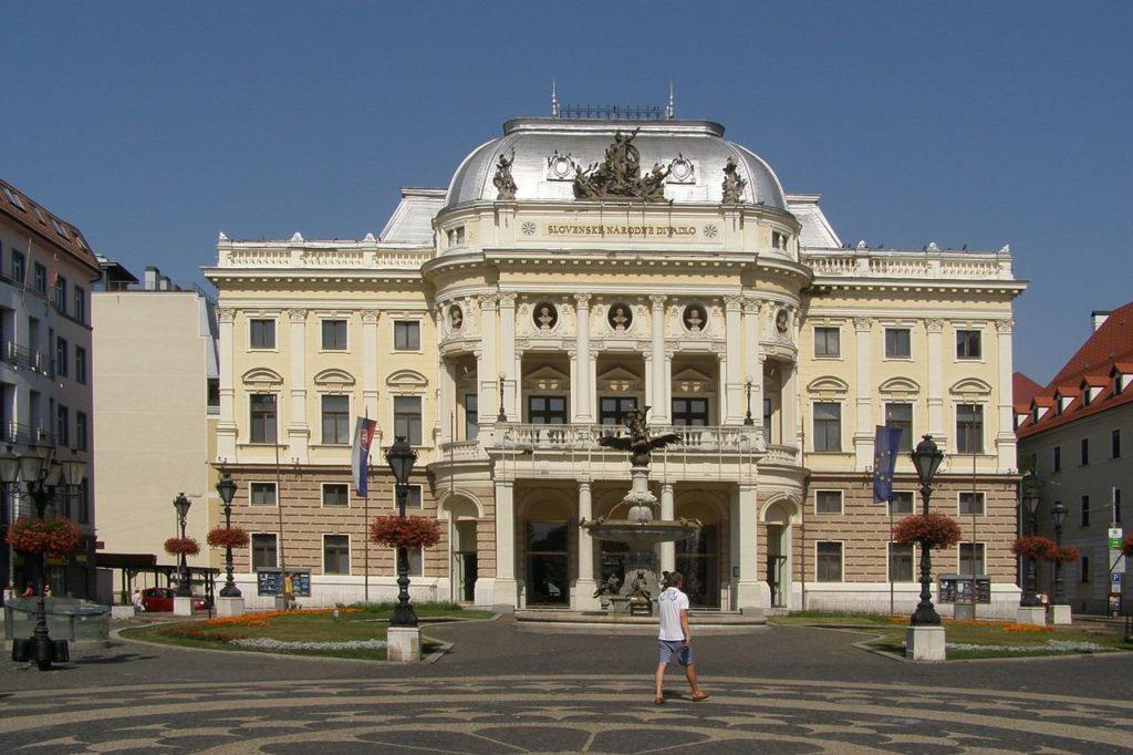 Slovenské národní divadlo - Bontour