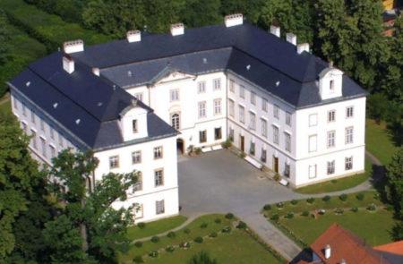 Zámek Vizovice - Bontour