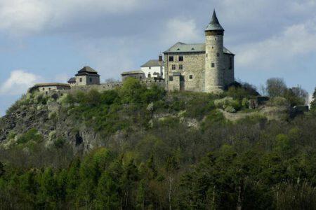 Kunětická Hora - Bontour