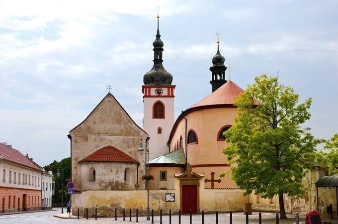 Lány, Lidice, bazilika v Boleslavi