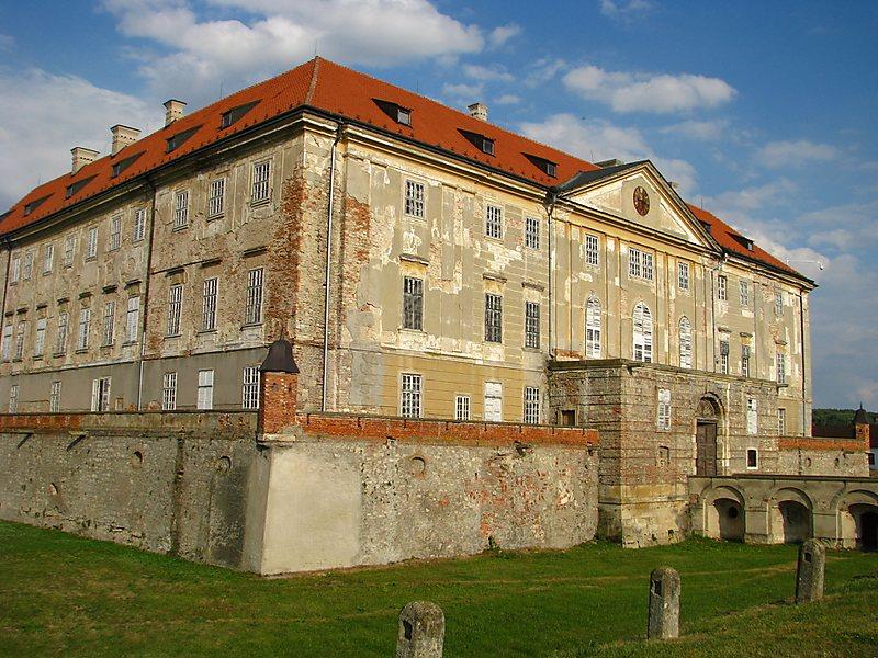 Pivovar Křikloun, zámek Holíč, Piešťany